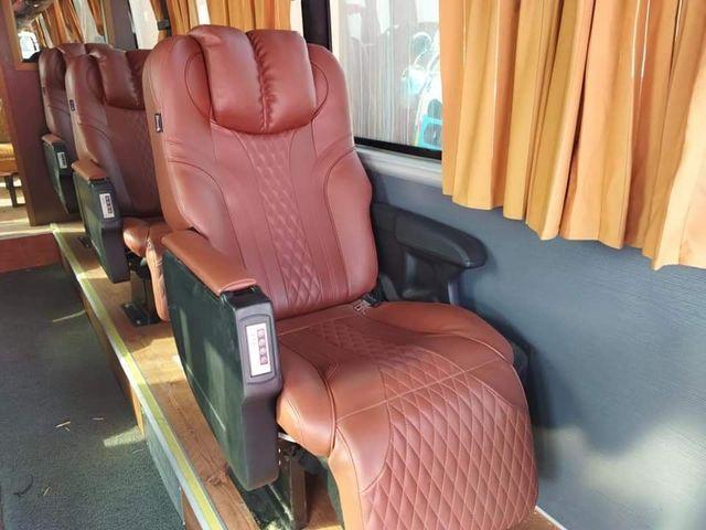 Shaheen Epxress Seat